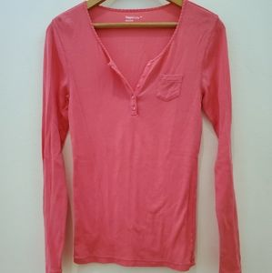 Gap Body | Coral Scalloped Long Sleeved Vneck Top